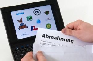 Wer illegal Dateien hoch- oder herunterlädt, riskiert eine Abmahnung