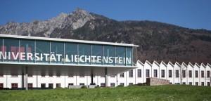 Die Uni Liechtenstein mit ihrem wundervollen Panorama