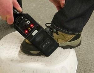 Passagiere müssen sehr gründliche Sicherheitschecks über sich ergehen lassen
