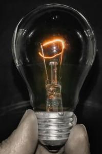 Wem ein Licht aufgeht, sollte sich vor Cyberspionage schützen